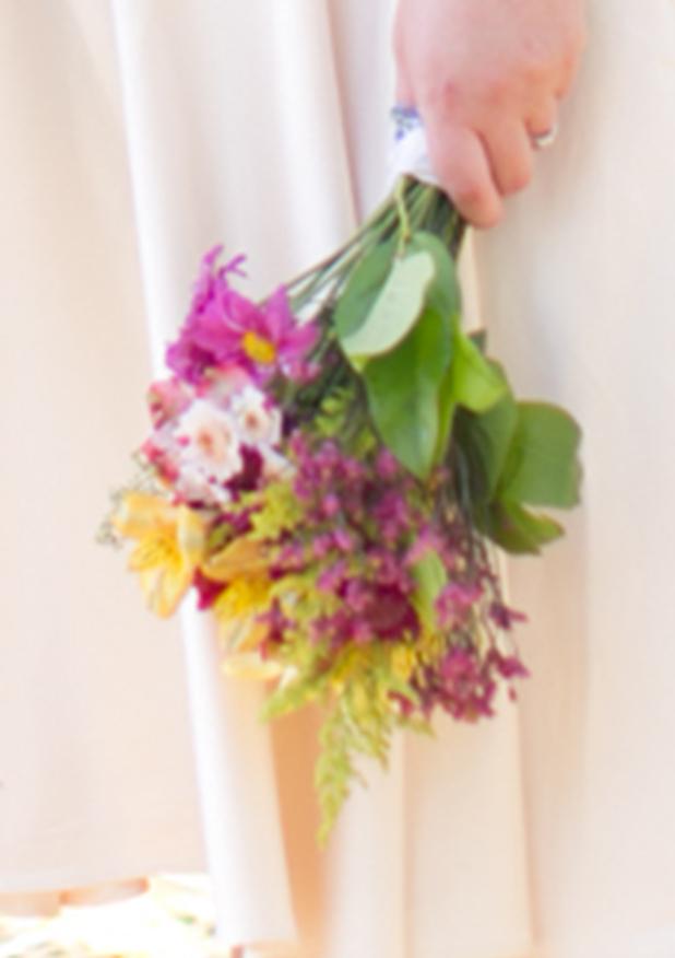 DIY Mixed Flower Bridal Bouquet: Tutorial | Crafty Little Secret…