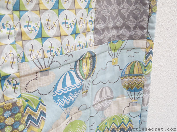hot air balloon baby quilt detail