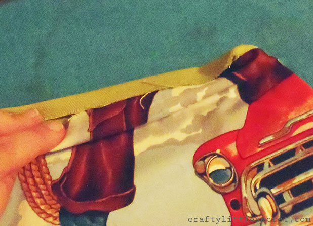 Crafty Little Secret - DIY Apron Tutorial - www.craftylittlesecret.com