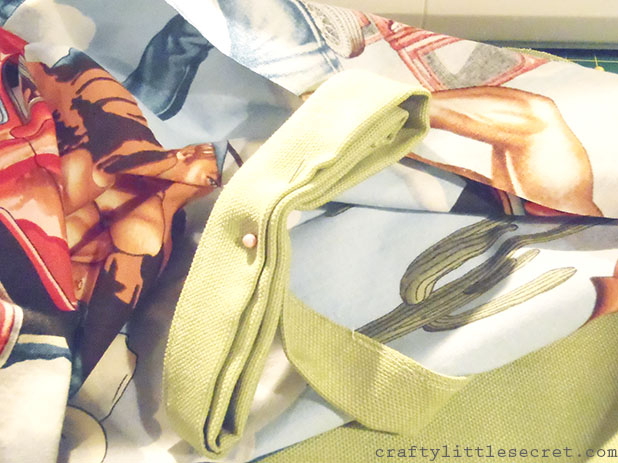 Crafty Little Secret - DIY Apron Tutorial - www.craftylittlesecret.com