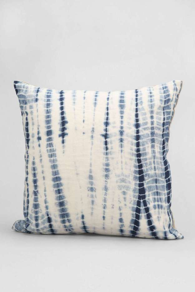 Shibori Inspiration - http://www.urbanoutfitters.com/urban/catalog/productdetail.jsp?id=32197162&category=A_FURN_BEDDING_THROWS