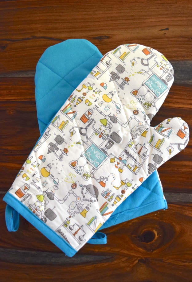 Robot Lab oven Mitts from Crafty Little Secret